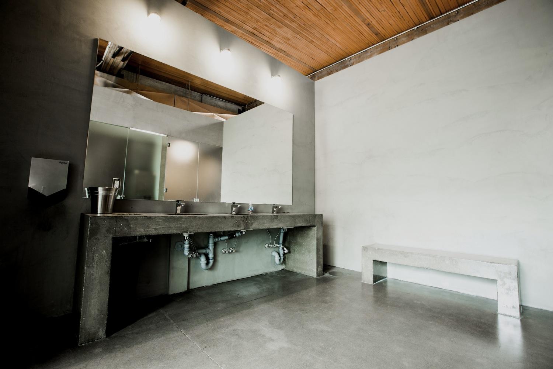 CrossFit_604_downtown_bathroom_2