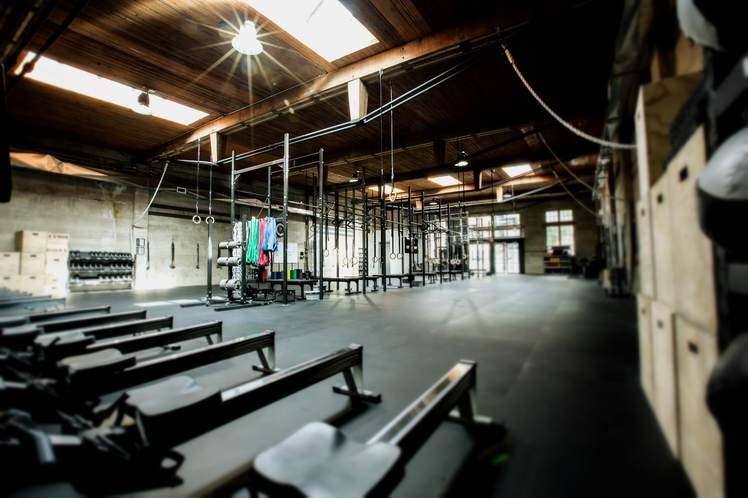 CrossFit_604_downtown_full_gym_6